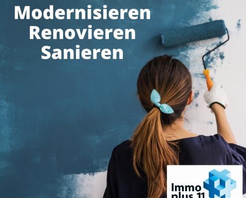 """Frau, die eine Wand ausmalt mit Überschrift """"Modernisieren, Renovieren, Sanieren"""""""